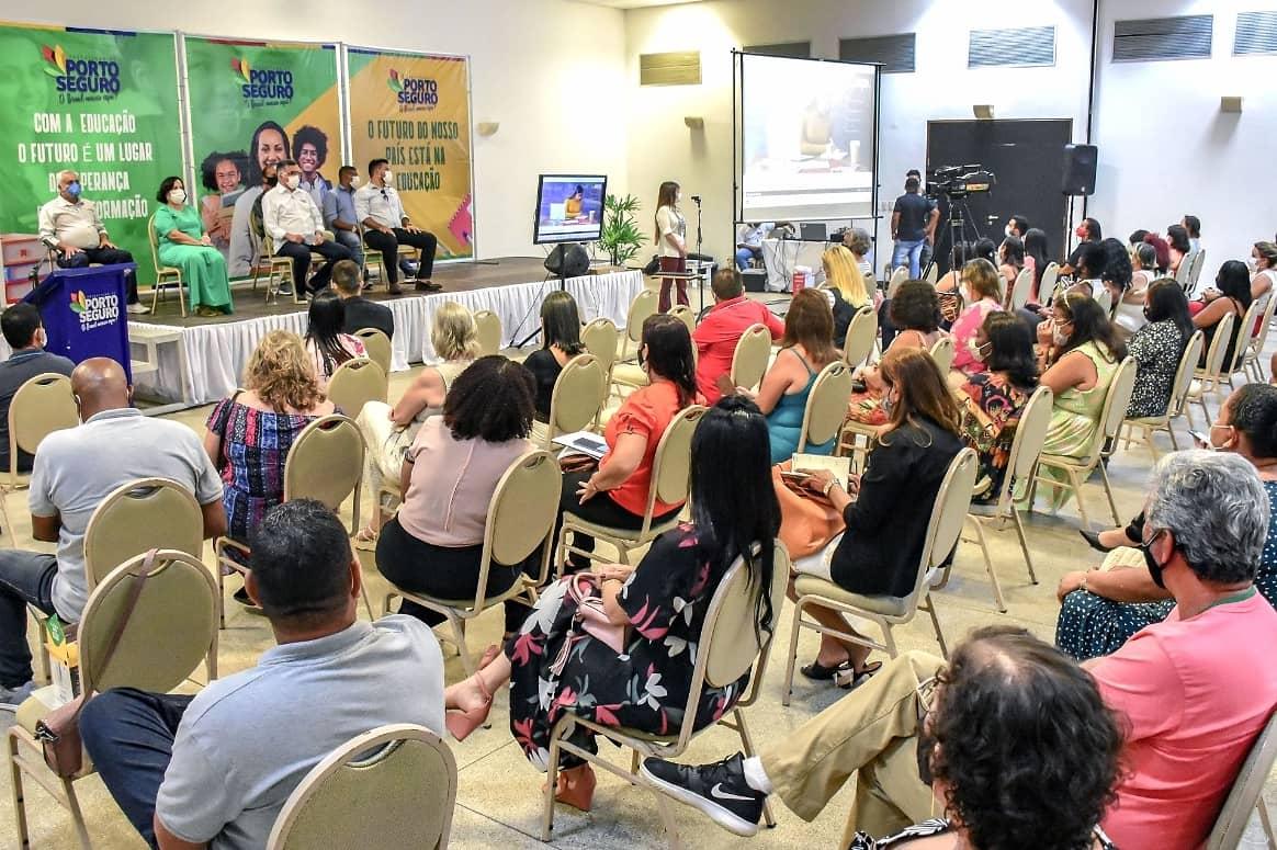 Porto Seguro: Prefeitura lança plataforma digital que vai auxiliar alunos e professores na volta às aulas no sistema híbrido 26