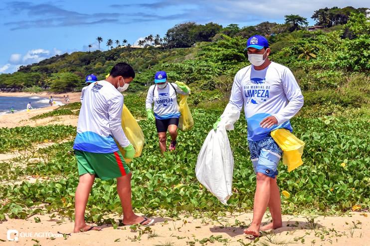 Dia Mundial de Limpeza marcado por mutirão nas praias de Porto Seguro 38