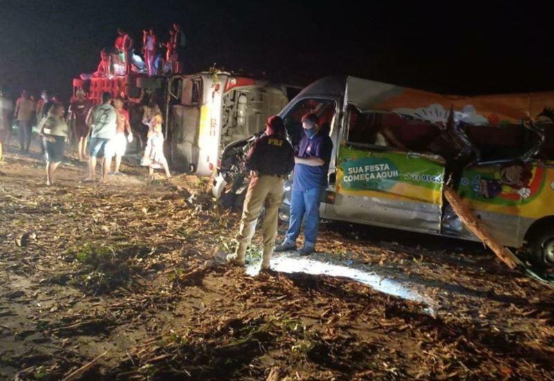 Eunápolis: Trágico acidente deixa 12 mortos e mais de 20 feridos 27