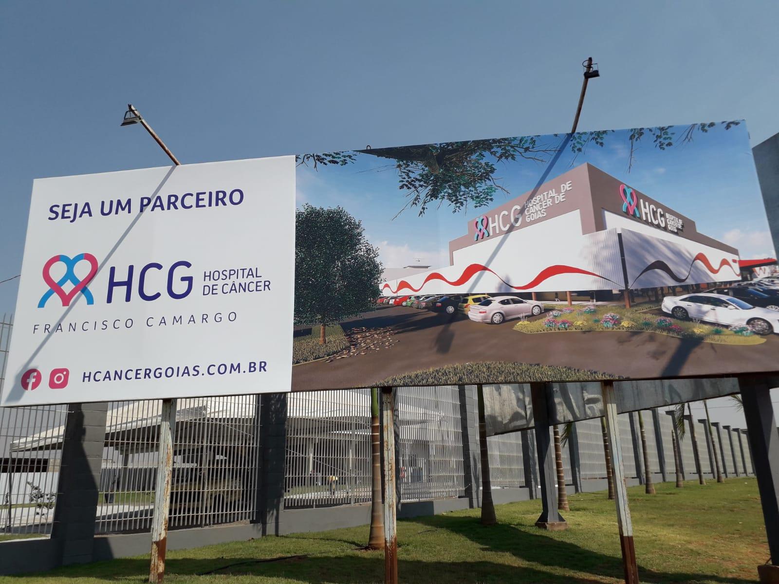 Zezé Di Camargo se emociona em inauguração do Hospital do Câncer Francisco Camargo 30