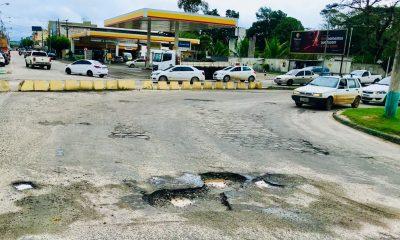 Situação de degradação das ruas de Eunápolis é resultado da péssima qualidade do asfalto e desvio de dinheiro público 16