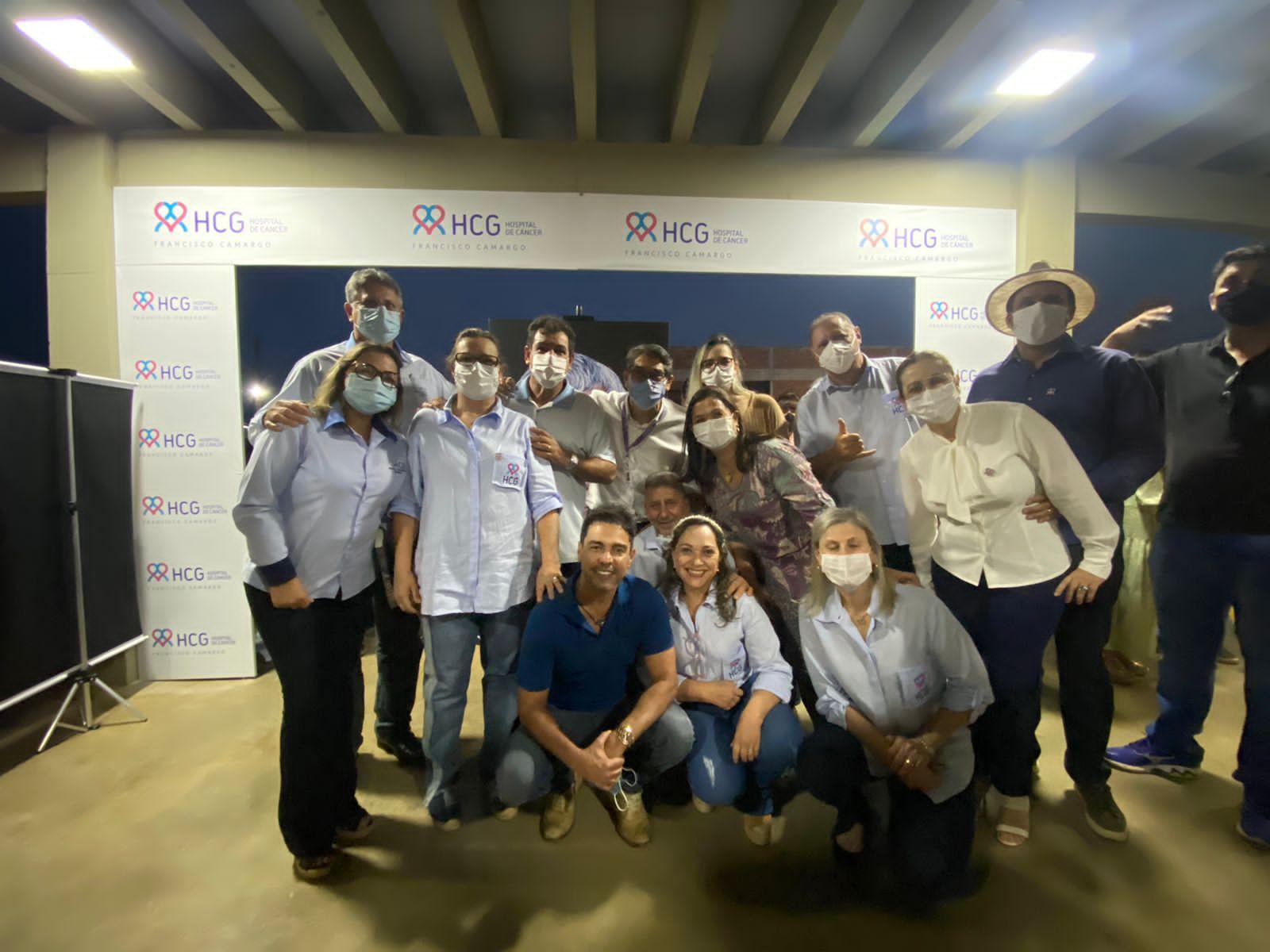 Zezé Di Camargo se emociona em inauguração do Hospital do Câncer Francisco Camargo 32
