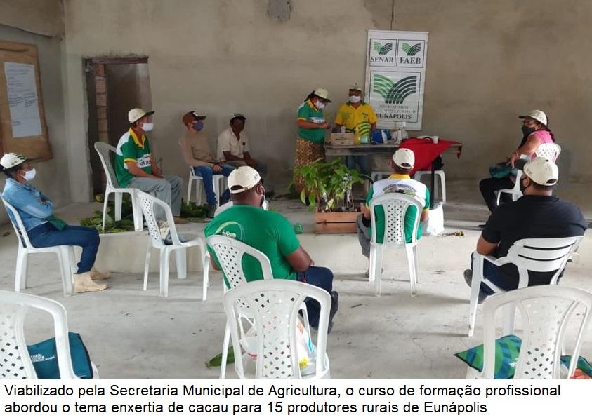 Secretaria de Agricultura viabiliza curso de formação sobre enxertia do cacau para produtores rurais 22