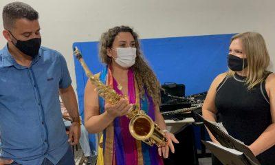 Prefeita Cordélia Torres entrega instrumentos para projeto Palácio das Artes Cultura para Todos 29