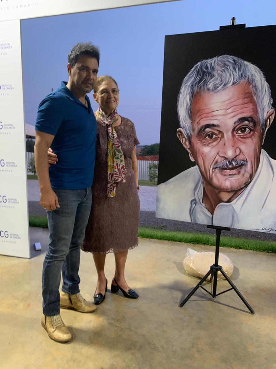 Zezé Di Camargo se emociona em inauguração do Hospital do Câncer Francisco Camargo 29