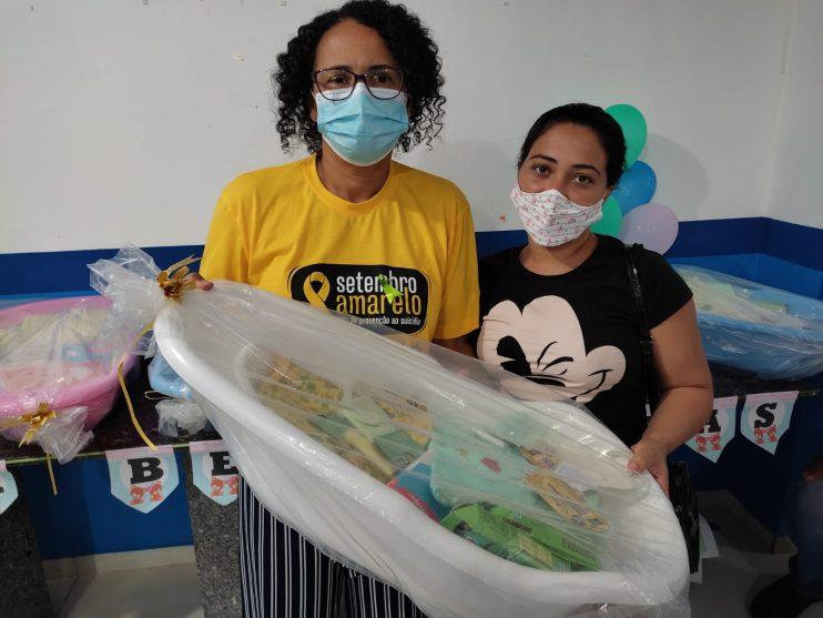 Secretaria de Assistência Social entrega 20 kits de enxoval a gestantes em Eunápolis 22