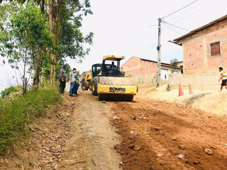 Prefeitura de Eunápolis inicia serviço de revitalização em rua para melhorar mobilidade no bairro Juca Rosa 22
