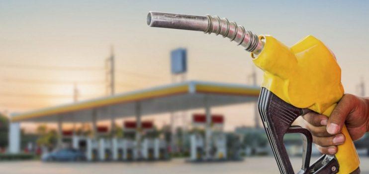 Petrobras anuncia aumento no valor de repasse da gasolina e gás de cozinha 23
