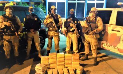 Polícia apreende drogas avaliadas em R$ 2,5 milhões durante abordagem em Eunápolis 24