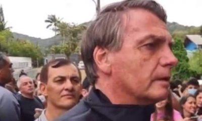 Vídeo: Bolsonaro é impedido de entrar em estádio por não estar vacinado e se revolta 21
