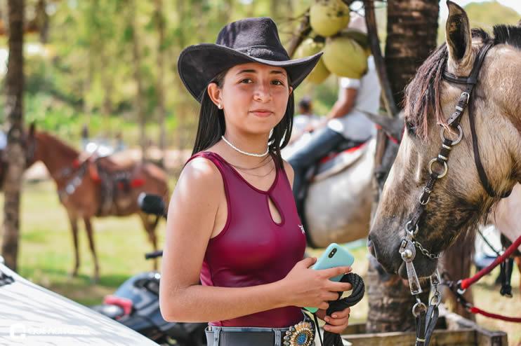 Canavieiras: Centenas de Cavaleiros e amazonas participaram da I Marcha Amigos de Ouricana 175