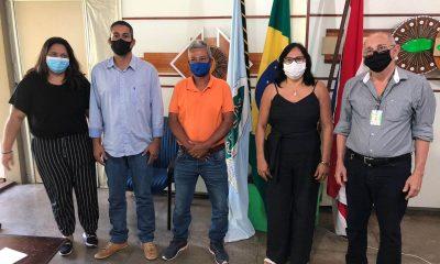 Prefeita de Guaratinga se reúne com representantes da Ceplac para discutir desenvolvimento agrícola no município 30