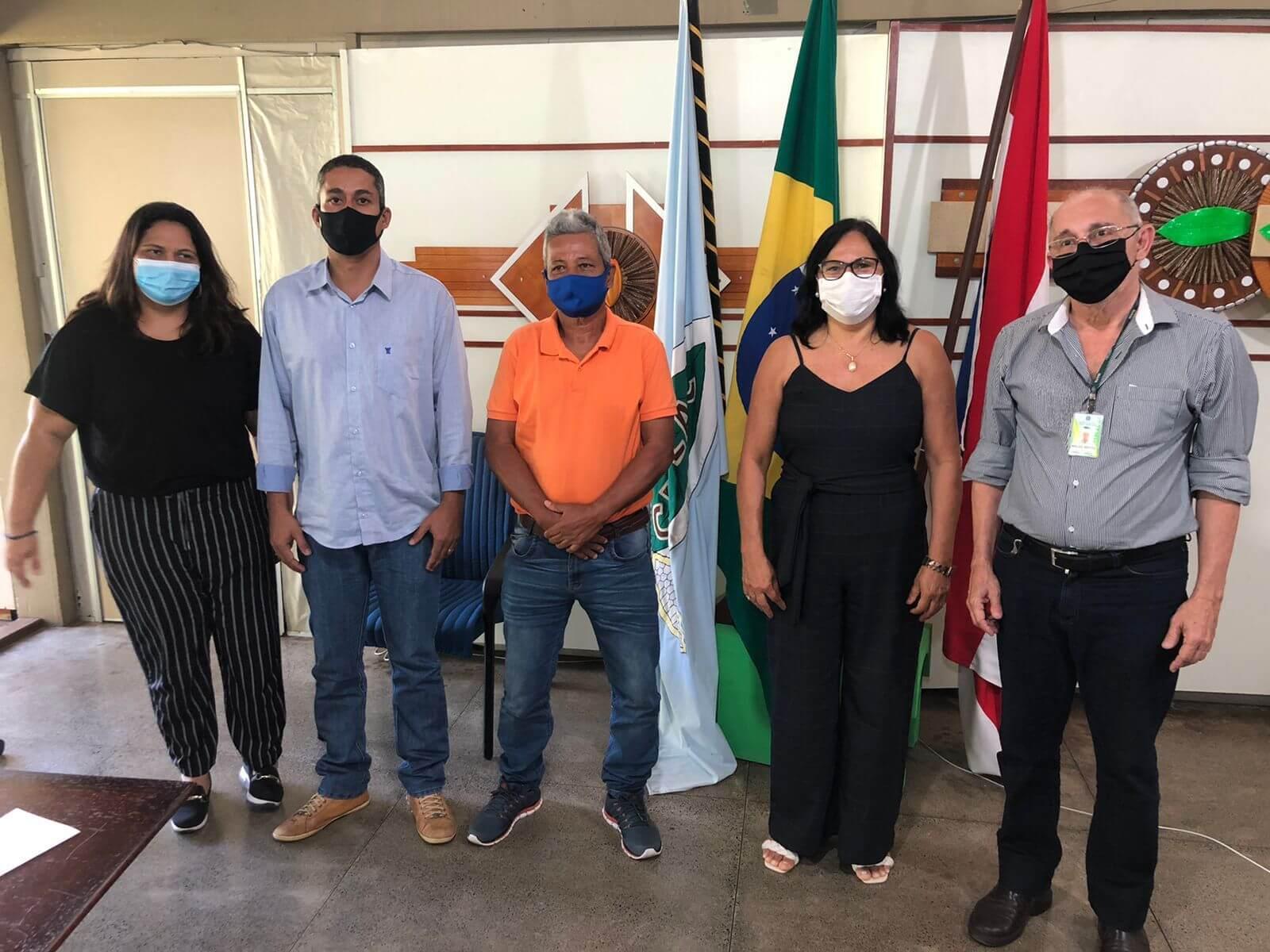 Prefeita de Guaratinga se reúne com representantes da Ceplac para discutir desenvolvimento agrícola no município 25