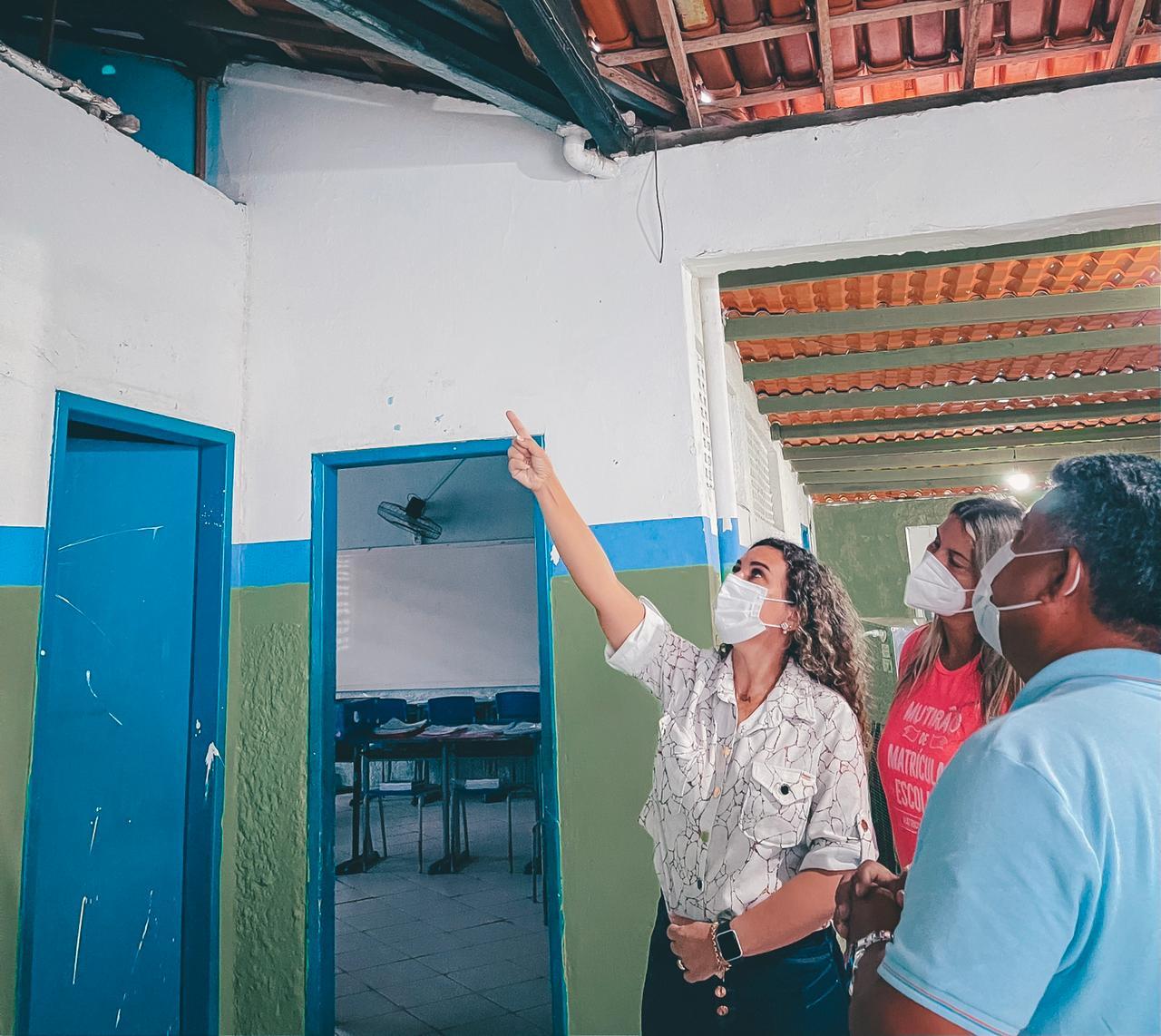 Prefeita Cordélia Torres acompanha requalificação de escolas antes do retorno semipresencial das aulas 25