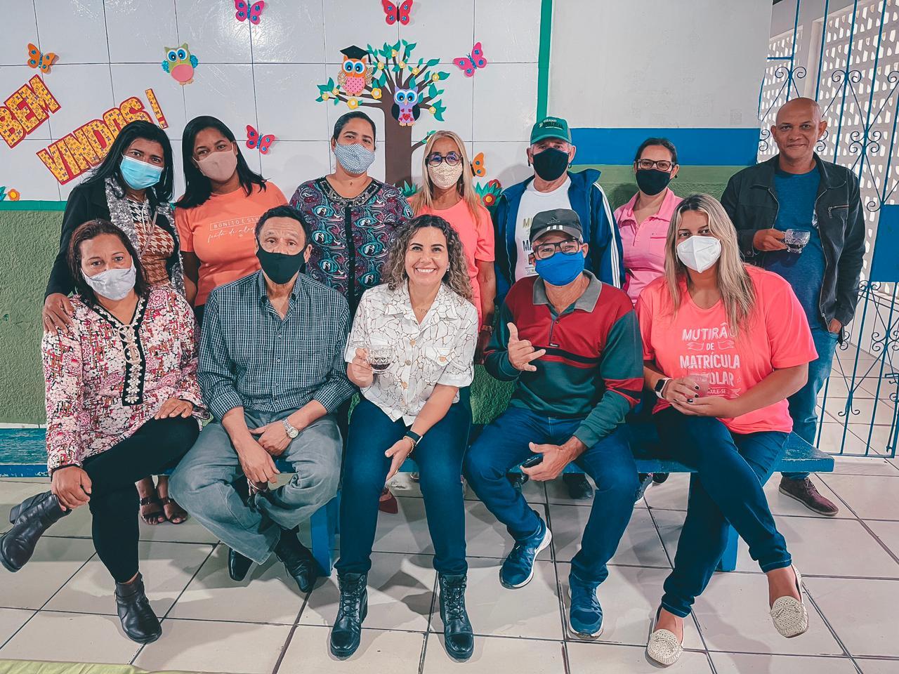 Prefeita Cordélia Torres acompanha requalificação de escolas antes do retorno semipresencial das aulas 27