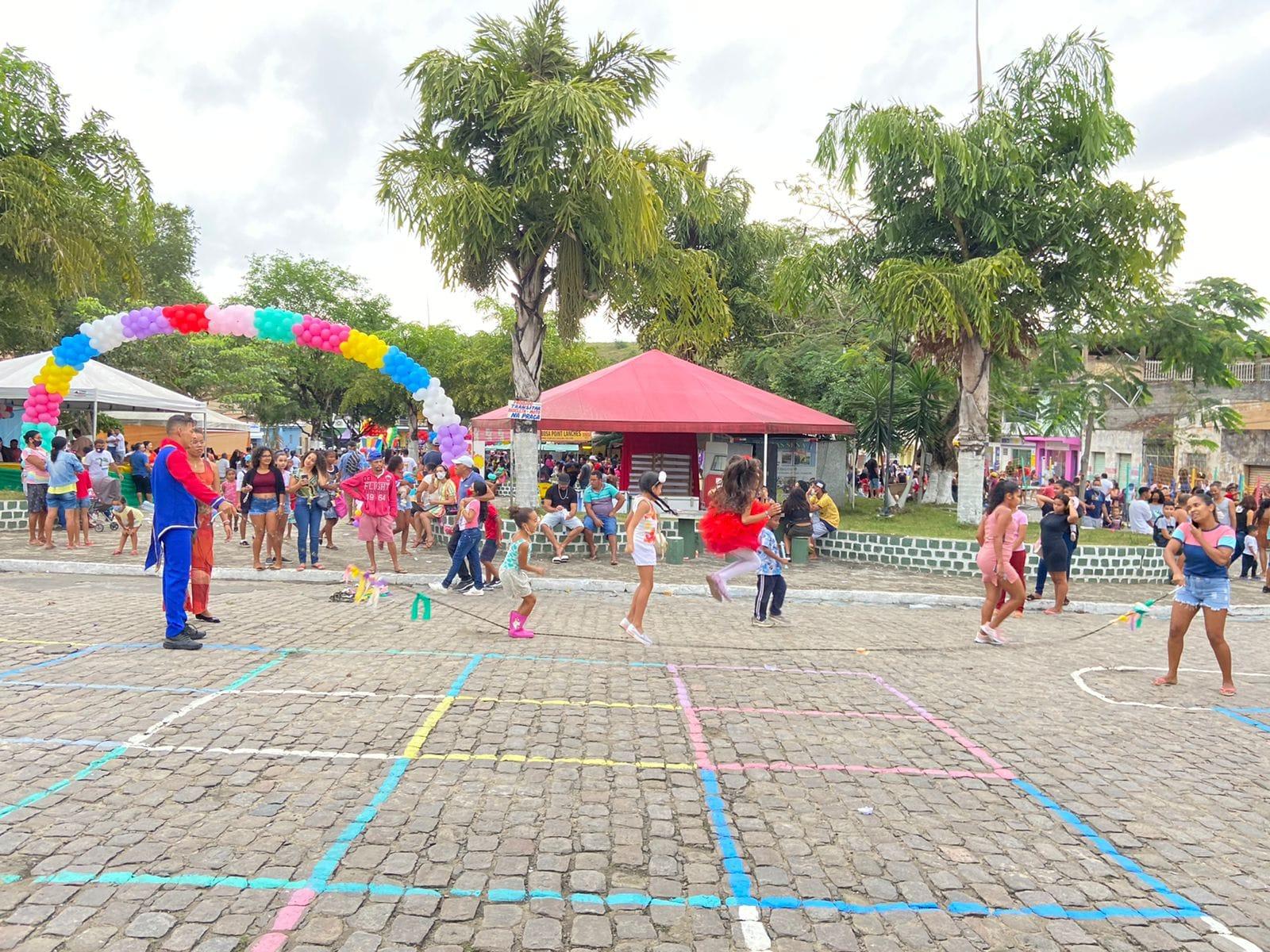 Evento É Dia de Brincar resgata brincadeiras tradicionais e já é considerado maior ação social de Dia das Crianças já realizada em Itagimirim 33