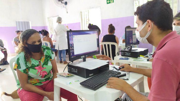 """""""Assistência Social Itinerante"""" atende cerca de 200 famílias no bairro Nacional 22"""