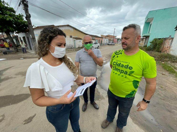 """Prefeita Cordélia Torres acompanha início da megaoperação """"Tapa-Buracos"""" no bairro Juca Rosa 24"""